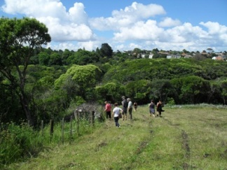 Checking out boundary of Porewa and Kepa Bush site visit 2013_small